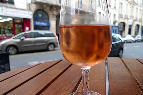 rosé on the street