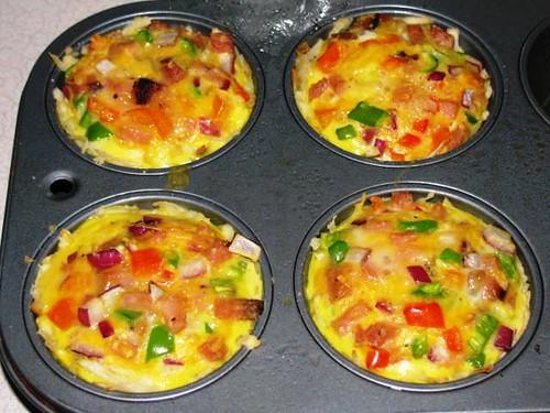 Light Breakfast Ham & Egg Muffins