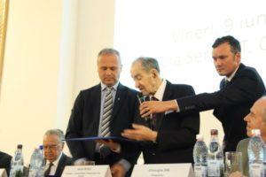 Profesorul Aurel Rusu împlineşte astăzi venerabila vârstă de 100 de ani
