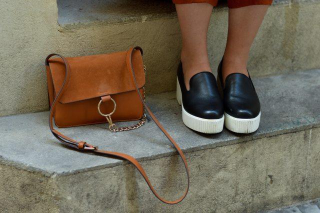 chaussures a plateforme et sac chloé fake
