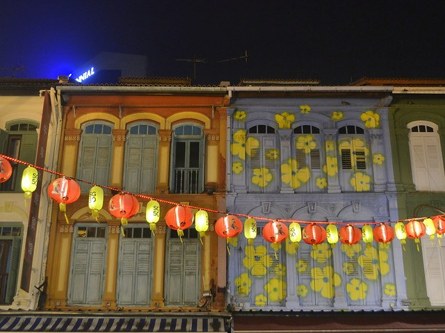 Write about Singapore _ Chinatown
