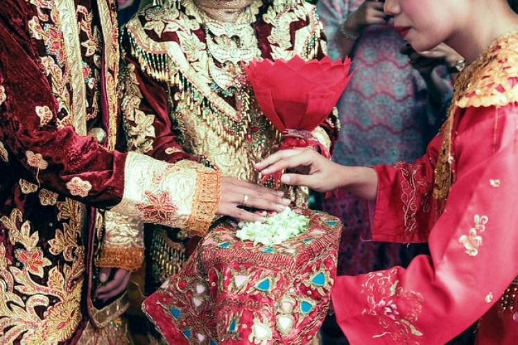 gofotovideo pernikahan adat minang di graha wredatama 152