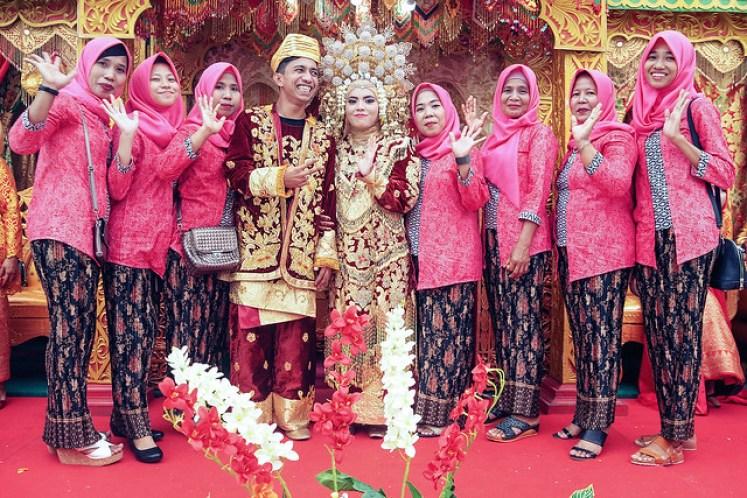 gofotovideo pernikahan adat minang di graha wredatama 154