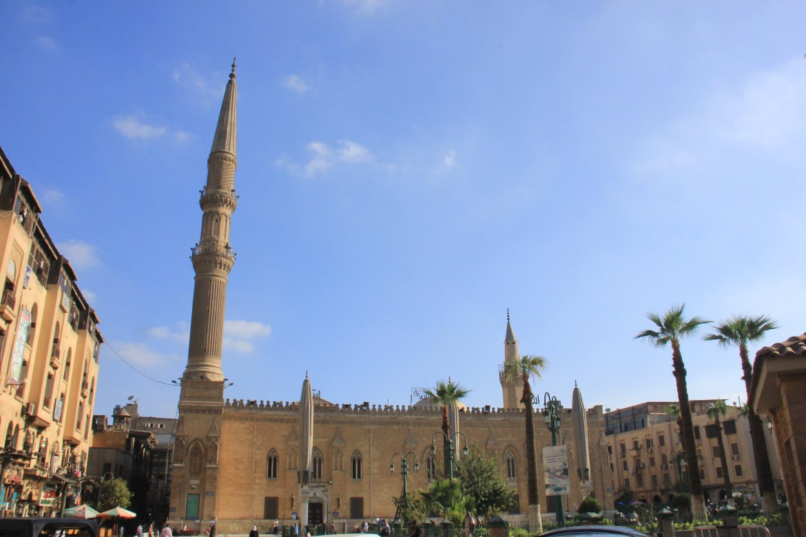 Khan el Khalili visit can be combined with a quick stop at the Hussein mosque