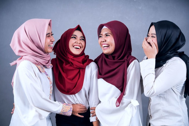 gofotovideo makeup artist / tata rias universitas negeri jakarta 0243
