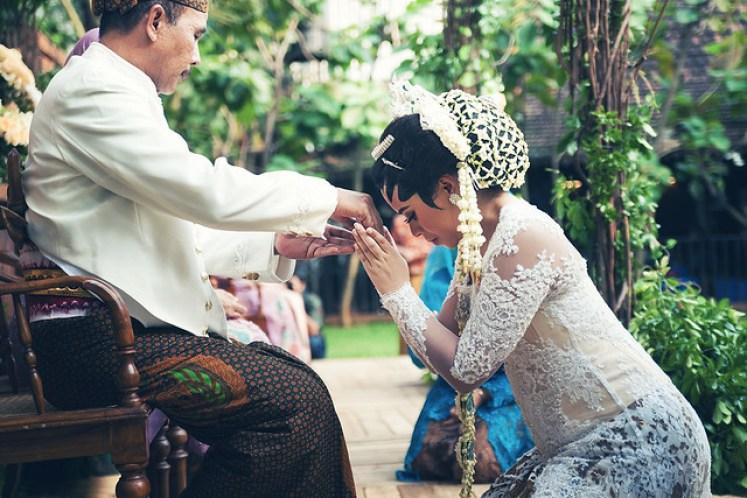gofotovideo pernikahan outdoor adat jawa di rumah sarwono 238