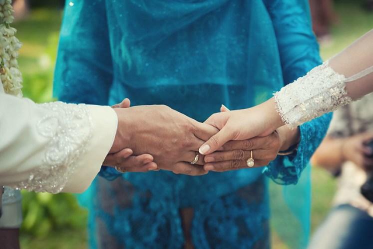 gofotovideo pernikahan outdoor adat jawa di rumah sarwono 227