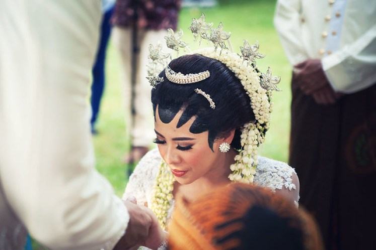 gofotovideo pernikahan outdoor adat jawa di rumah sarwono 231