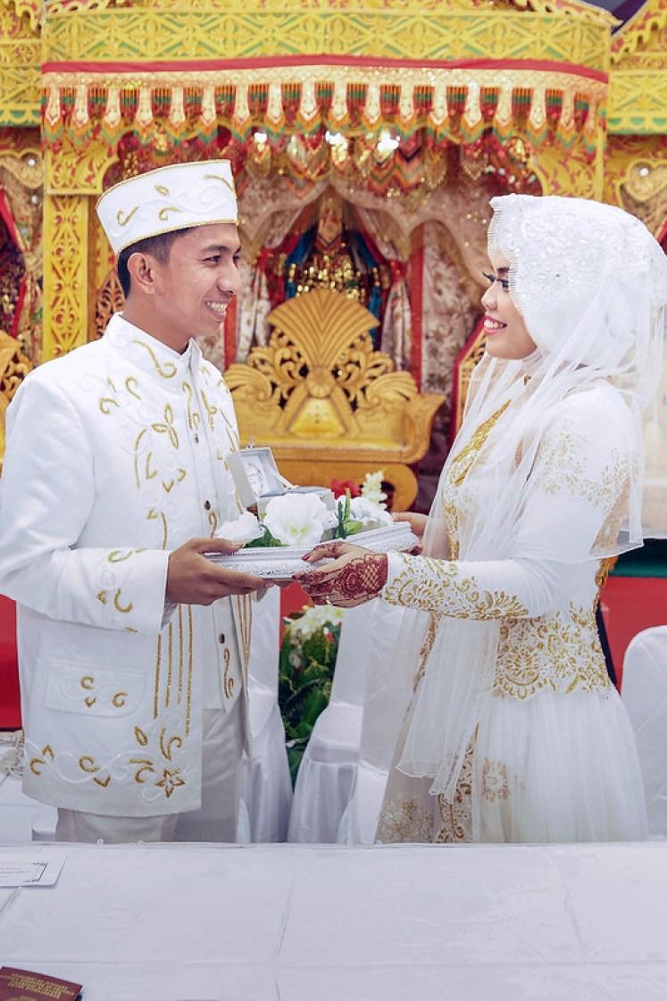 gofotovideo pernikahan adat minang di graha wredatama 129