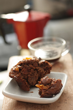 chocolate-persimmon muffin