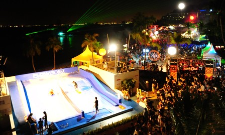 Those wishing for some wet and wild fun can get into the surfing action at the Sentosa Wave House, right at the heart of ZoukOut.