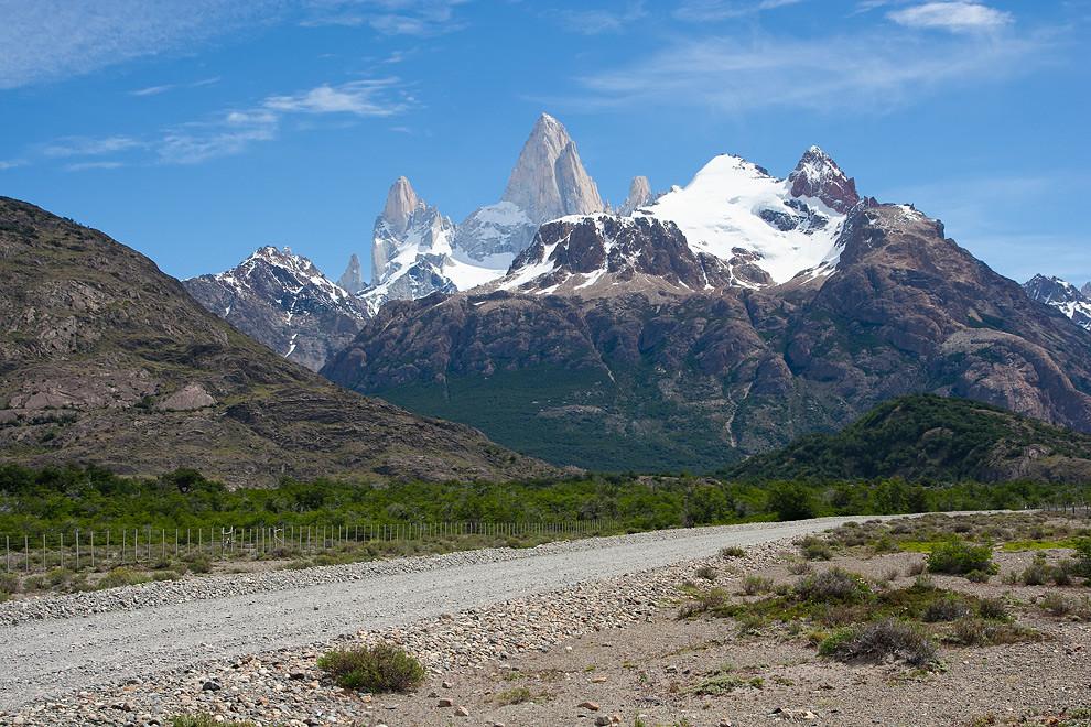Introvertido y luego de varios días de niebla, se muestra imponente el monte Fitz Roy frente al cielo despejado. (Guillermo Morales - El Chaltén, Patagonia, Argentina)