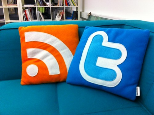 feed twitter pillows