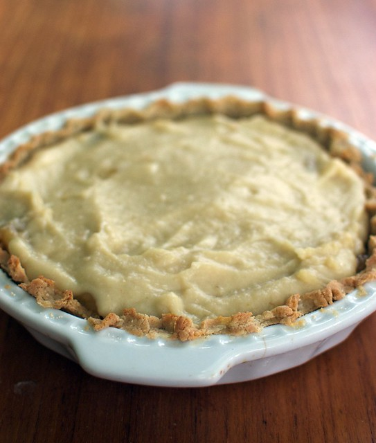 banana-coconut pie