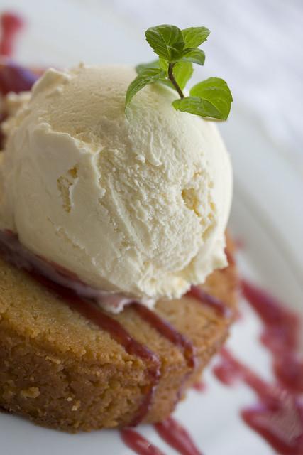 Warm Butter Cake a la Mastro's