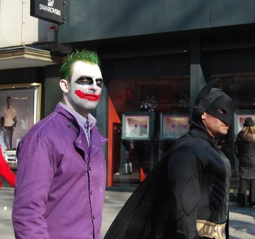Khusus hari ini, Joker dan Batman berdamai
