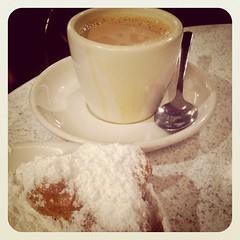 Beignets & Cafe au Lait at Cafe Du Monde