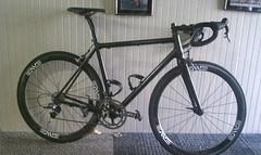 Team RoundHere Racing new Parlee bikes