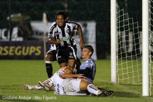 Figueirense 5 x 2 Brusque - 11 - Foto de Cristiano Andujar - Catarinense 2011 - 23012011 copy