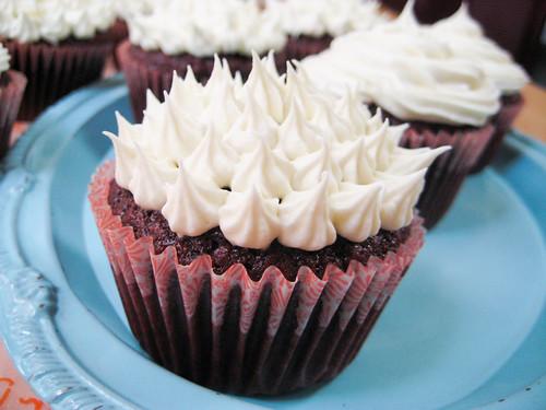 red velvet bridal shower cupcakes