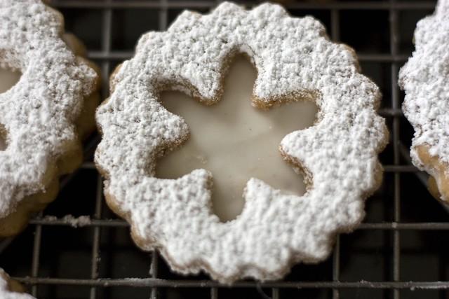 Snowflake Eggnog Linzer Cookies