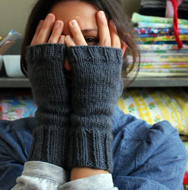 peekaboo hand warmers