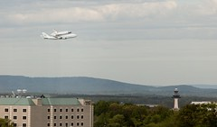 "Discovery over Dulles • <a style=""font-size:0.8em;"" href=""http://www.flickr.com/photos/54494252@N00/6942600332/"" target=""_blank"">View on Flickr</a>"