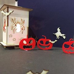 Scare your friends with a #badge or #lantern made by you! short workshops during half term http://ift.tt/2esShGi