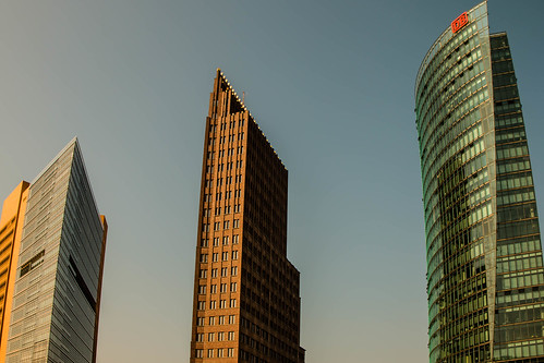 "Potsdamer Platz • <a style=""font-size:0.8em;"" href=""http://www.flickr.com/photos/91404501@N08/29290993654/"" target=""_blank"">View on Flickr</a>"