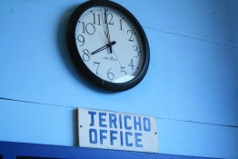 Jericho Sailing Club Office Clock