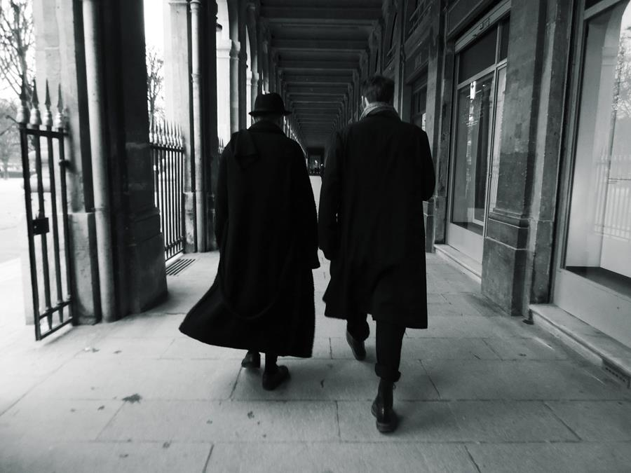 WIRE - Long Black Coats, Paris