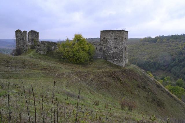 Ukrainian castles_Kudryntsi ruins