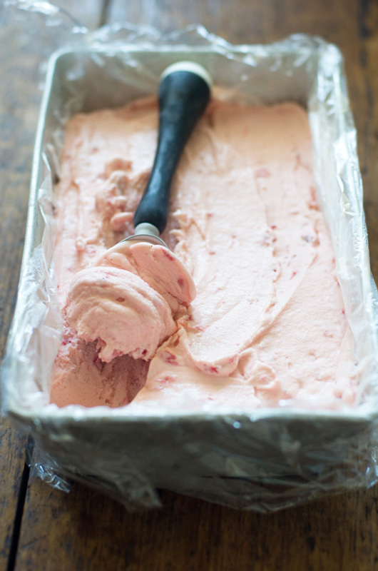 Delicious Bites: Homemade Strawberry Ice Cream