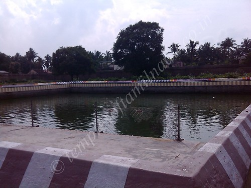 Thiruvenkadu – Budhan Temple. On of the three temple tanks here.