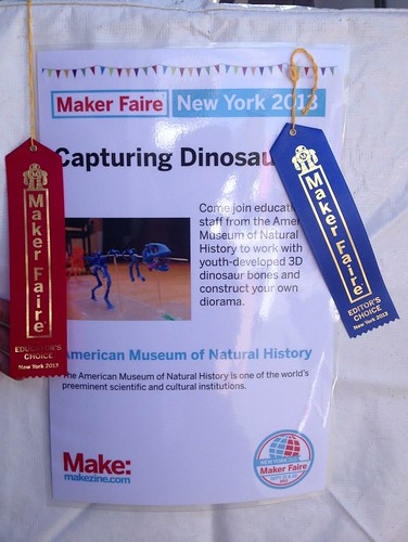 In addition to the @AMNH booth receiving the Educator's Choice award we can now add @MakerFaire 's Editor's Choice!