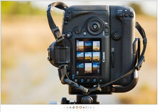 De (bracketing) foto's voor het panorama zijn gemaakt. Let ook op het oculairdopje dat voorkomt dat het zonlicht in de zoeker schijnt.