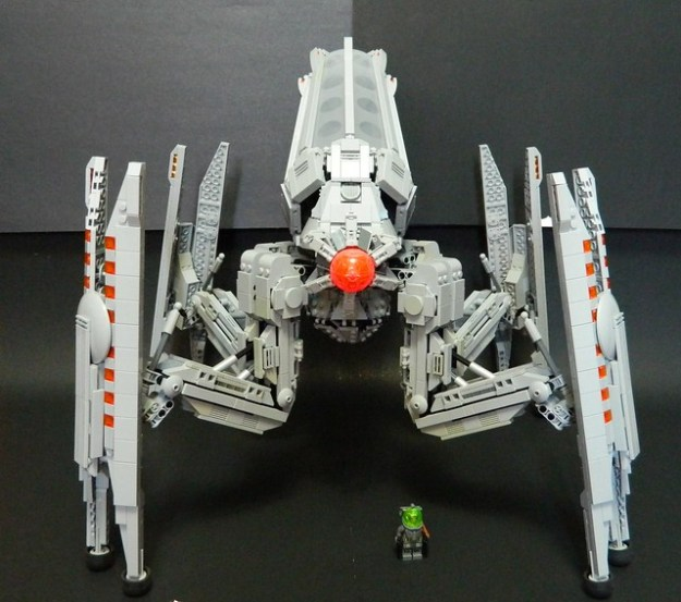 Dark Augusto Harvester-Class Widow
