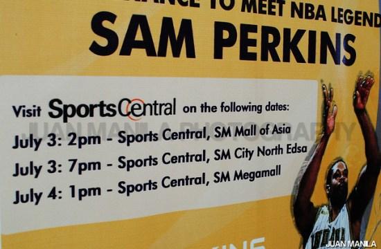 Sam Perkins'Sports Central visits.