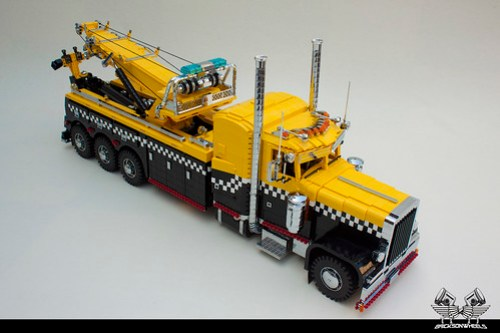 Peterbilt 379 Century 1075 Rotator in Lego (1:13)
