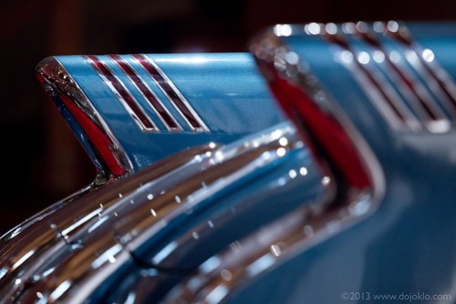 Canon 70D EOS hands on review field test book manual guide how to settings set up aperture depth of field 1954 Buick Wildcat II concept car