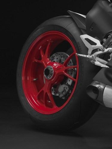 Ducati 1199 Panigale S Senna 04