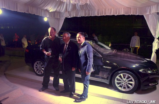 Wellington Soong (leftmost), President and Chairman of Jaguar Cars Phils., unveiled the new Jaguar XF 2014.