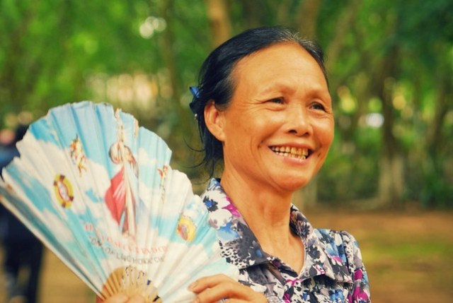 Lady with the fan