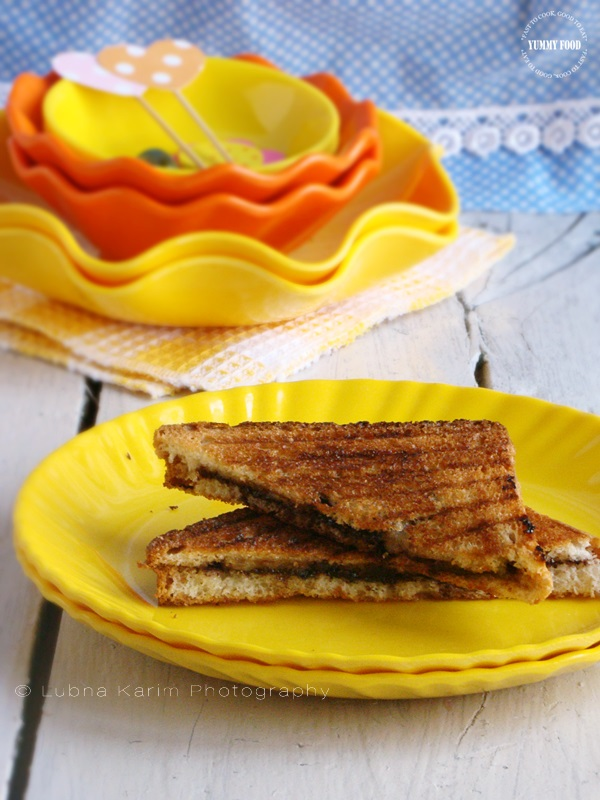 Grilled Chocolate Banana Sandwiches