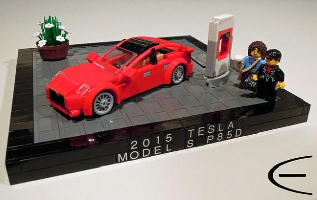 LEGO Tesla Model S P85D (1:40)