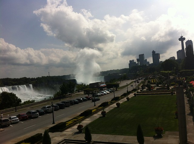 Toronto to Niagara falls bus tours: view of the falls as you enter Niagara