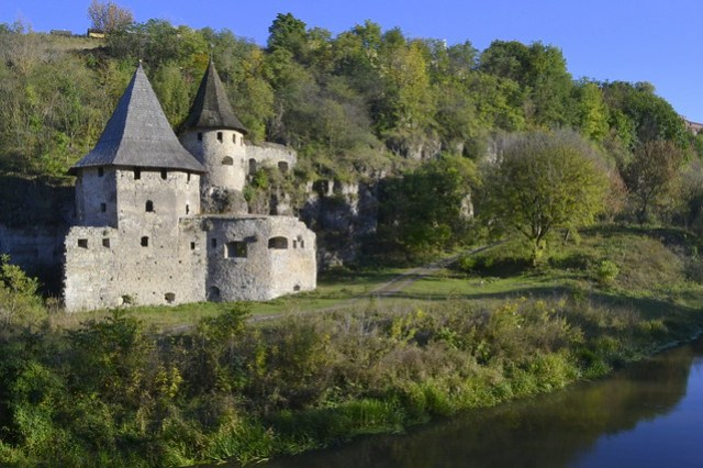 Ukrainian Castles_Kamianets-Podilskyi towers
