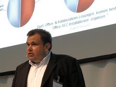 Axel Oppermann psräsentiert Umfrageergebnisse zum Thema SaaS-Lösungen für Office und Collaboration.