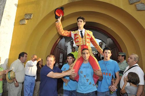 Víctor Barrio fue el único que consiguió abrir la puerta grande del coso espinariego. Foto Pedro Merino