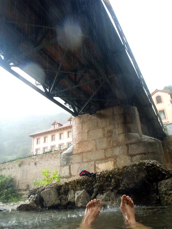 Termas naturales junto al Balneario de La Hermida – Cantabria